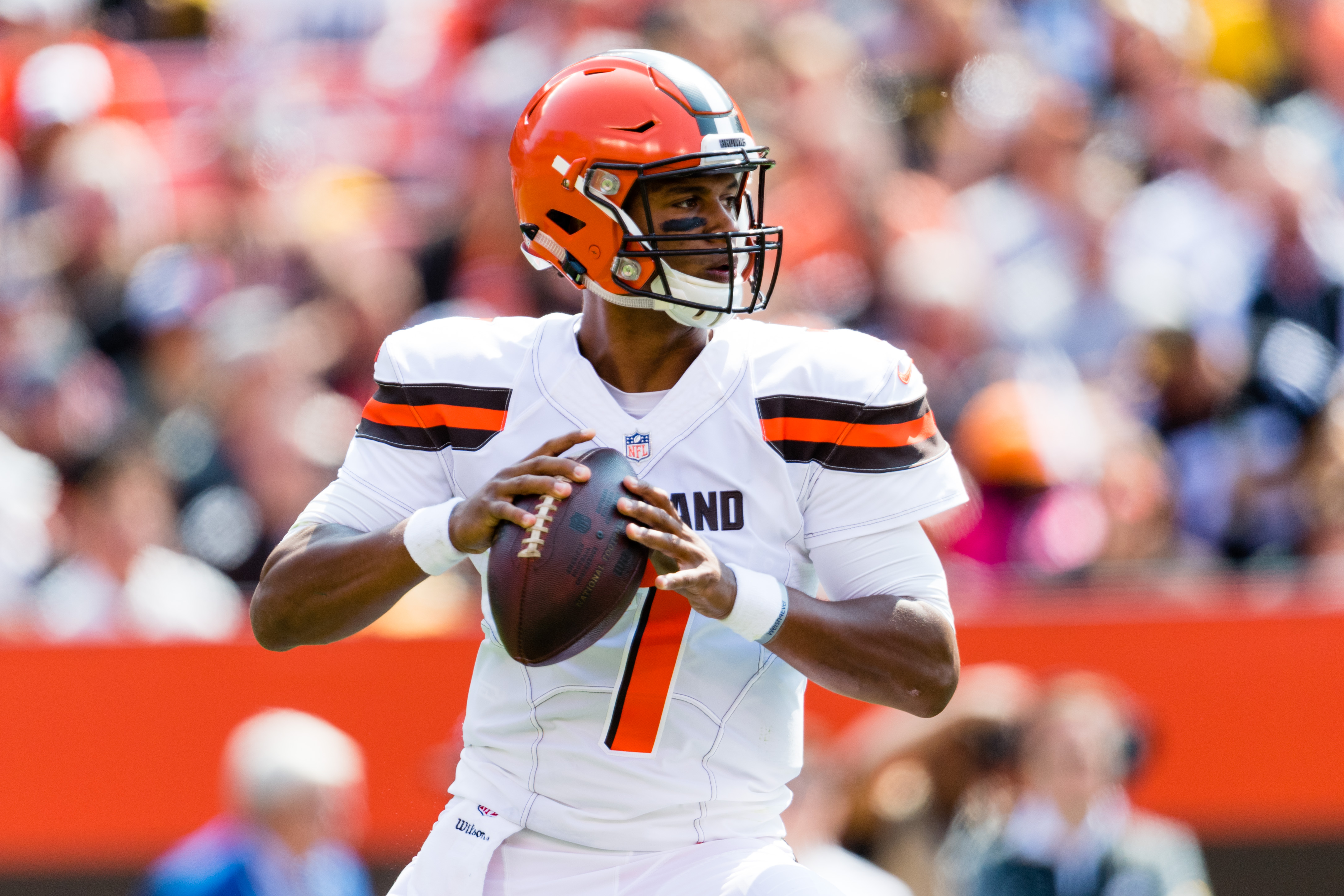 DeShone Kizer was checked for concussion during game, cleared