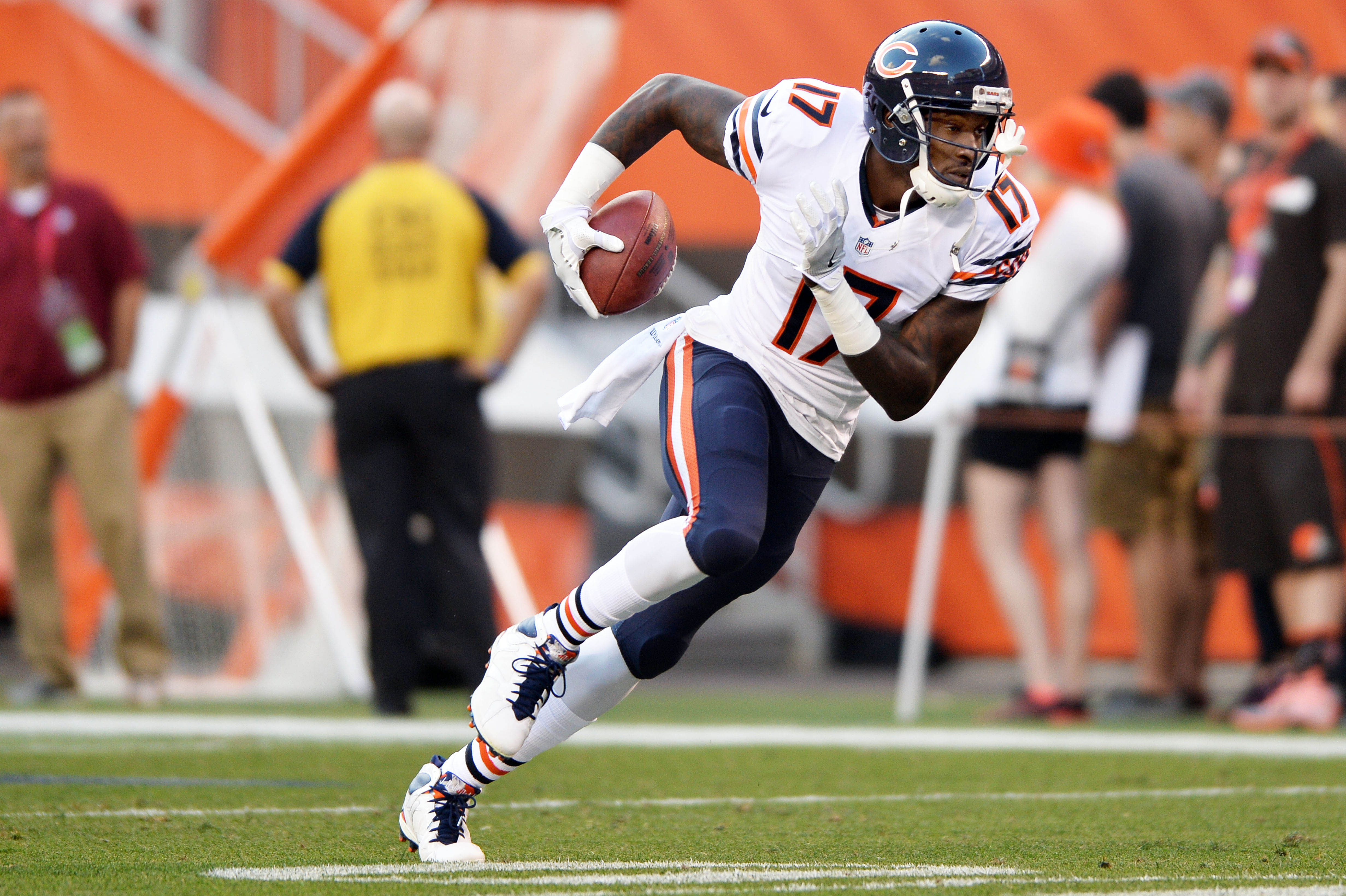 322d939f NFC North Bold Offseason Predictions: Alshon Jeffery not moving